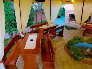 Лятна градина в ресторант Мира -02