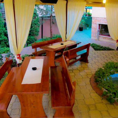 Лятна Градина - Хотел Мира