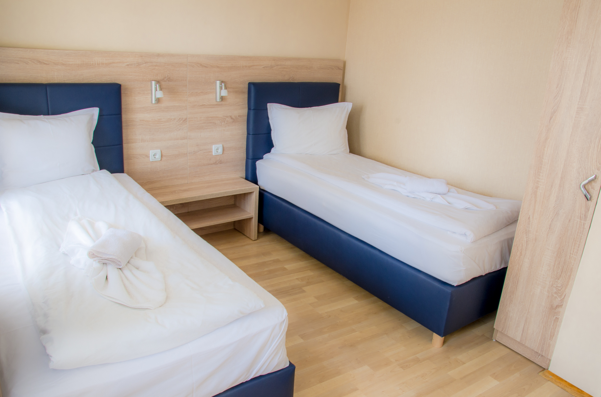 Twin room-102-202-301-Hotel Mira Vratsa-01